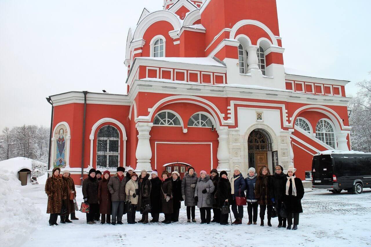 Петровский Путевой Дворец и Храм Благовещения Пресвятой Богородицы