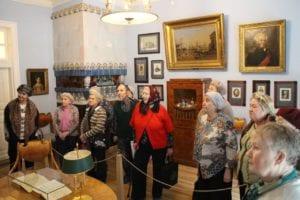 Наши старички в музее-усадьбе Абрамцево