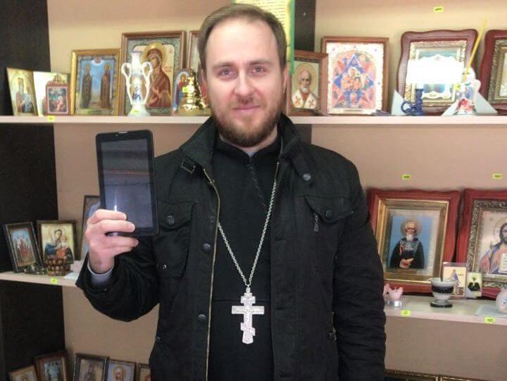 Благодарим Олега Ячменева и Сардану за подаренный планшет!