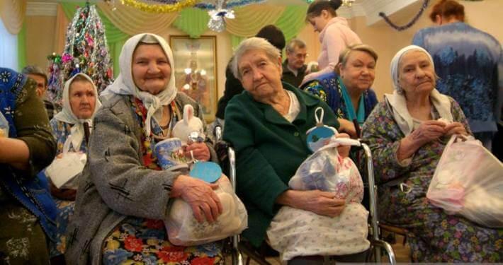 Заставка для - Новогодние подарки для одиноких бабушек и дедушек