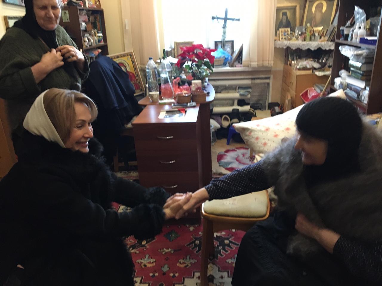 Заставка для - Мини дом престарелых при монастыре нуждается в помощи