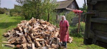 Покупка дров одиноким старикам Ярцевского района Смоленской области